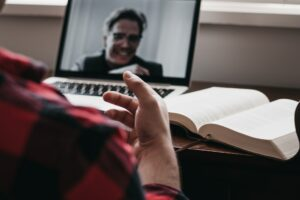 Guide to Conducting Virtual Interviews for Employers